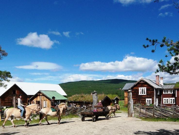 gammel gård i telemark
